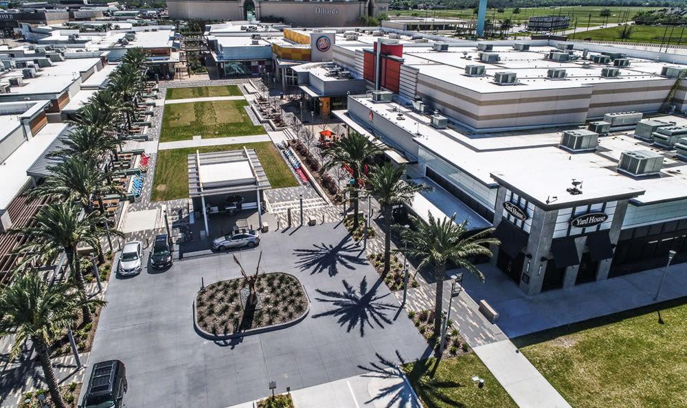 Mall Courtyard in League City, Texas