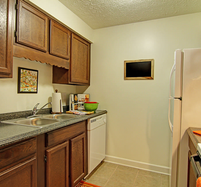 Affordable 1 2 3 bedroom apartments in akron oh for One bedroom apartments in akron ohio