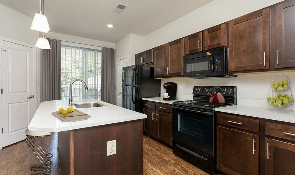 Well-equipped kitchen at Green Lake Apartments & Townhomes in Orchard Park