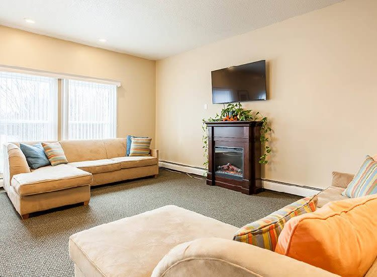 Apartments with a cozy living room in Hilton, NY