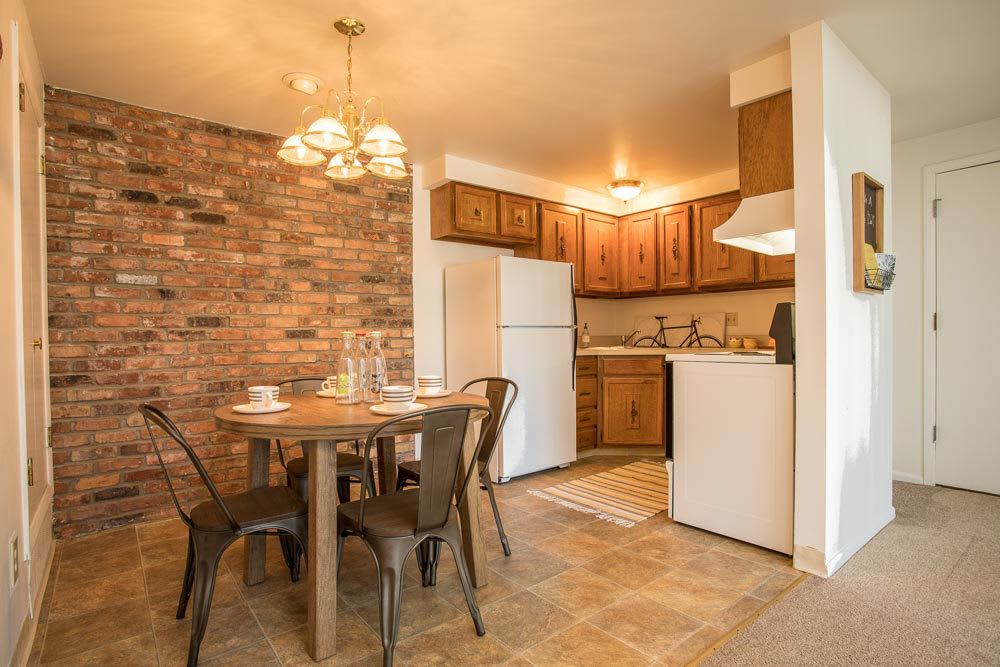 Mordern kitchen at Idylwood Resort Apartments in Cheektowaga, New York