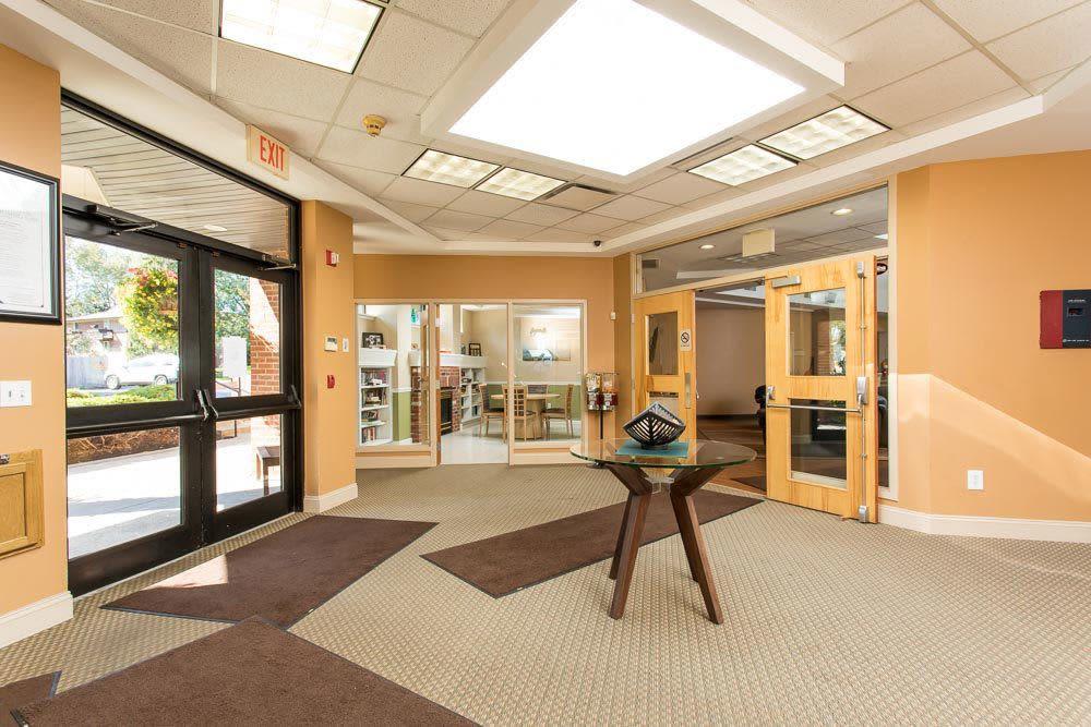 Call Idylwood Resort Apartments your home in Cheektowaga