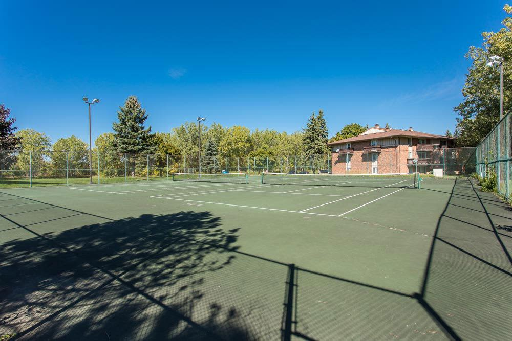 Tennis courts at Idylwood Resort Apartments in Cheektowaga, New York