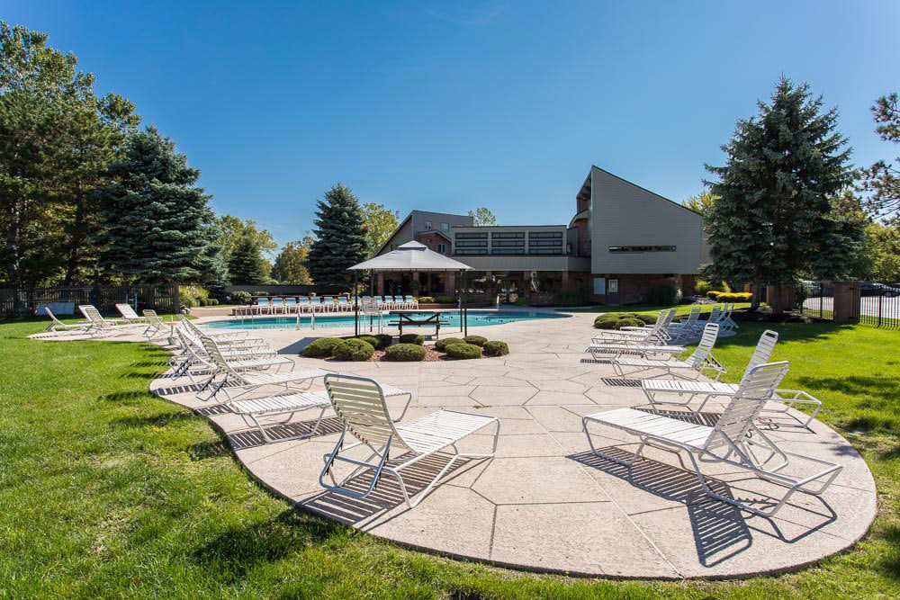 Sparkling swimming pool at Idylwood Resort Apartments in Cheektowaga, New York