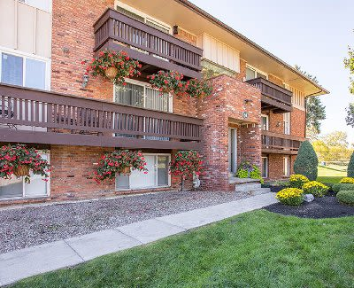 Luxury apartments at Idylwood Resort Apartments in Cheektowaga
