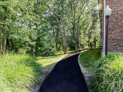 Paradise Lane Apartments is conveniently located in Tonawanda, New York