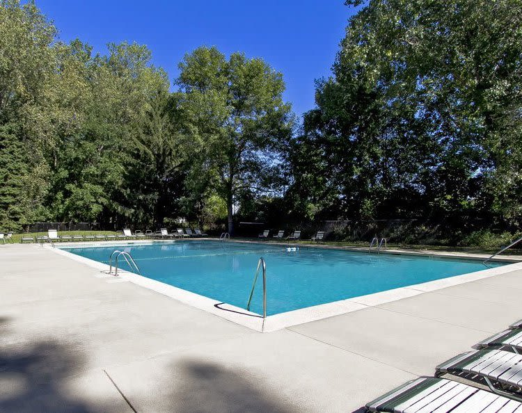 Raintree Island Apartments swimming pool in Tonawanda, NY