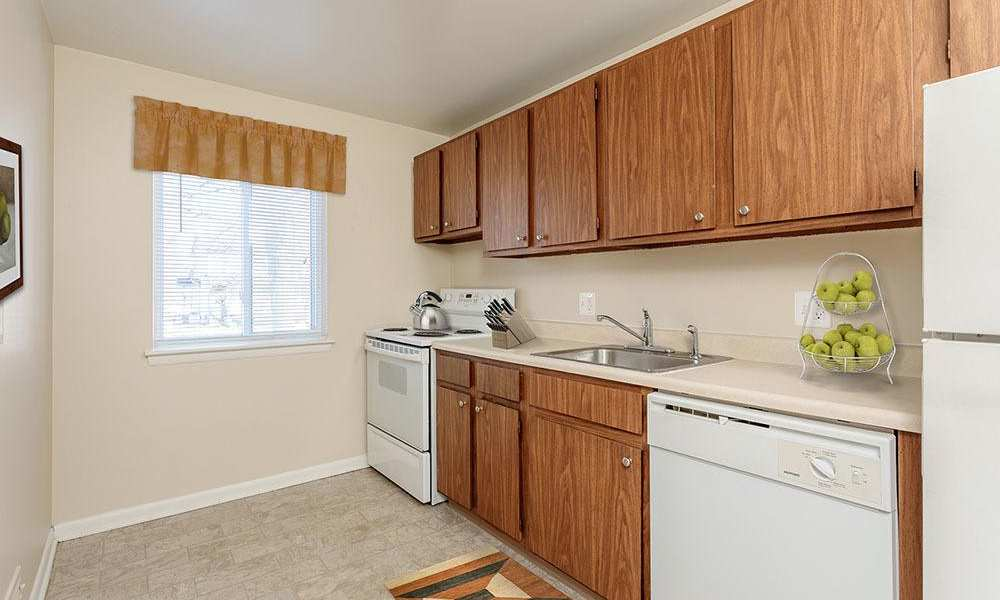 Well-equipped kitchen at Willowbrooke Apartments and Townhomes in Brockport