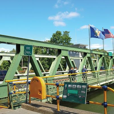 Bridge at Willowbrooke Apartments and Townhomes in Brockport, New York