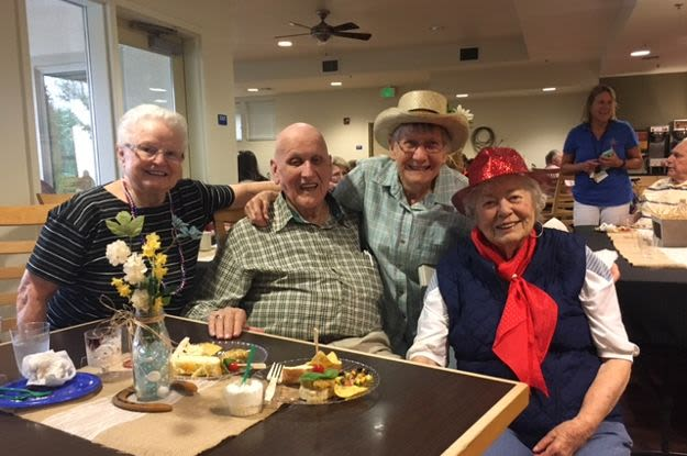 Friendly moments at The Vistas Assisted Living and Memory Care