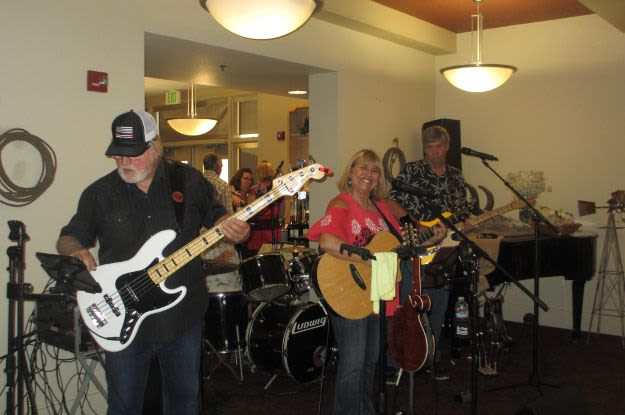 Enjoy the music at The Vistas Assisted Living and Memory Care
