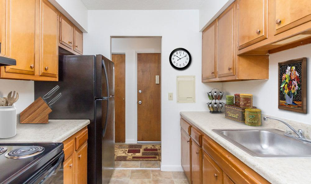 Modern kitchen at Creek Hill Apartments & White Oak Apartments in Webster, NY