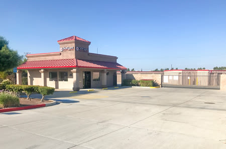 Exterior Building at StorQuest Self Storage in Ripon, CA