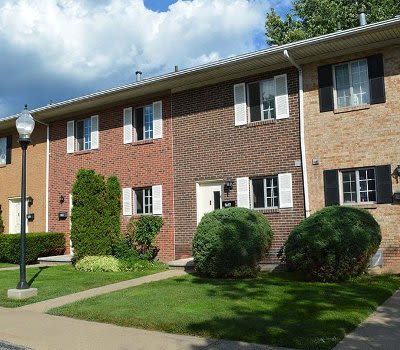Luxury apartments for rent at Elmwood Terrace Apartments and Townhomes in Rochester