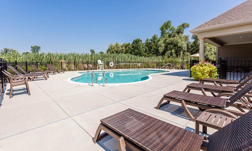 Auburn Creek Apartments pool deck