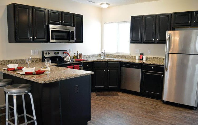 Upgraded kitchen at Auburn Creek Apartments home