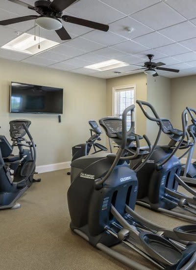 Auburn Creek Apartments fitness center in Victor, NY