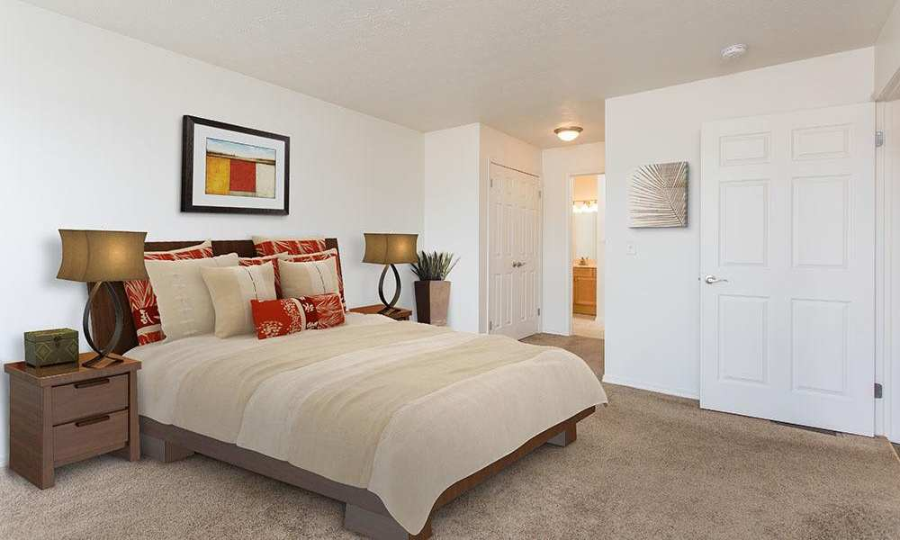 Spacious bedroom at Avon Commons in Avon