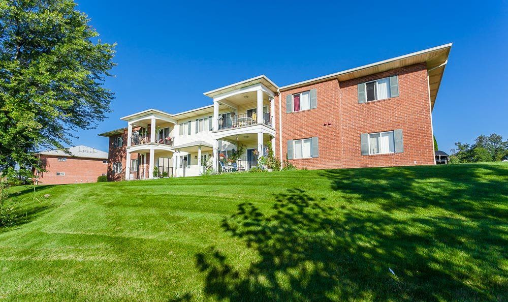 Welcome to CenterPointe Apartments and Townhomes in Canandaigua, NY