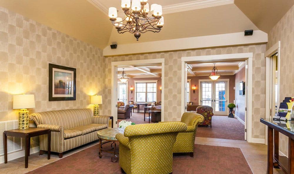Clubhouse interior at Saratoga Crossing in Farmington, NY