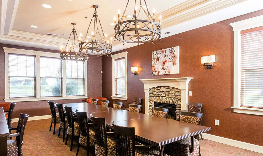 Clubhouse dining room at Saratoga Crossing in Farmington, NY