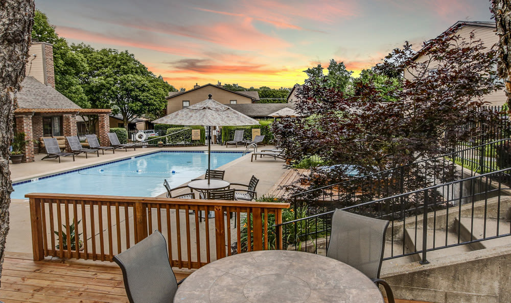 Sunset pool at Springhill Apartments