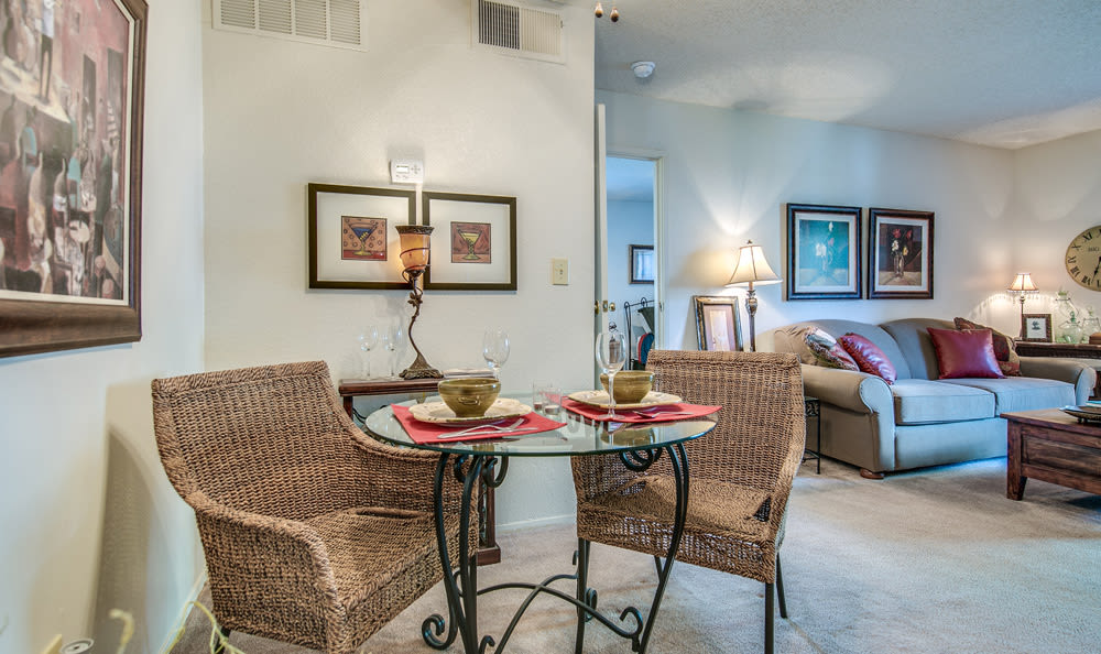 Dining room at Springhill Apartments