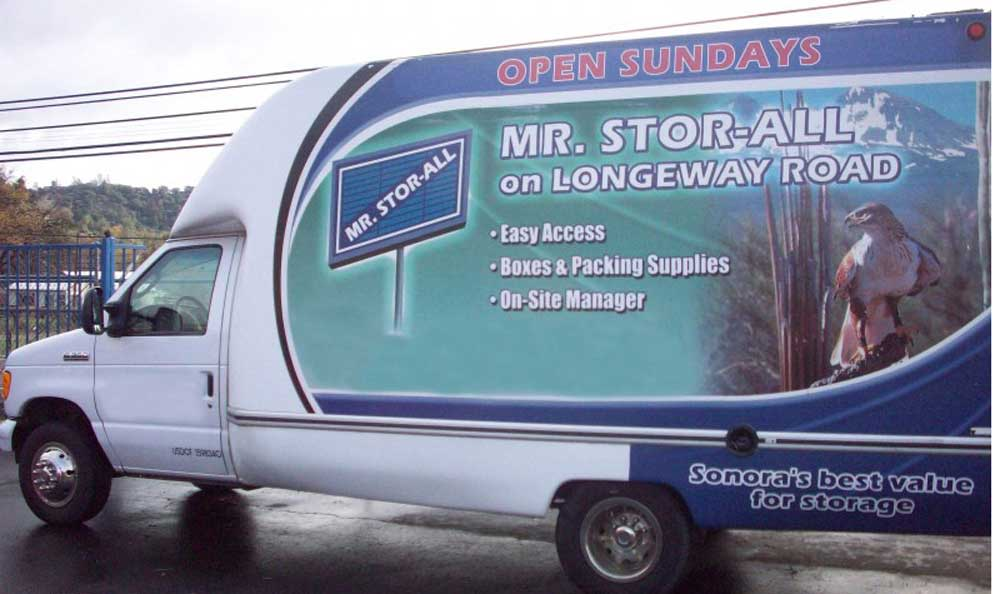 Easily accessible moving trucks in Sonora