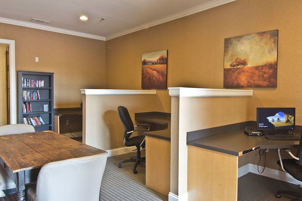 Modern business center at apartments in Perrysburg, Ohio