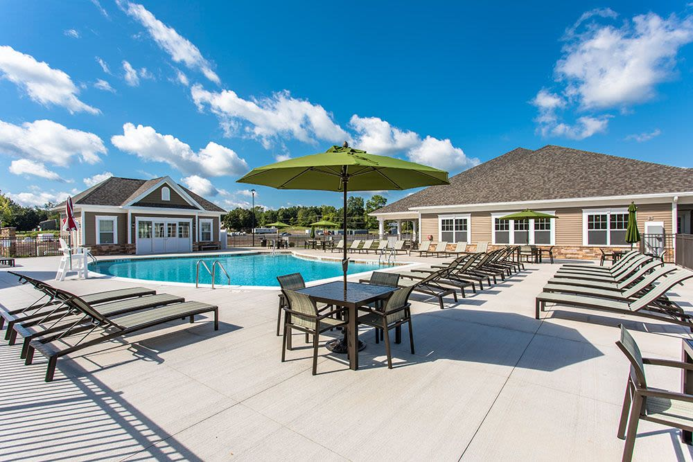 Beautiful swimming pool at The Landings at Meadowood in Baldwinsville, New York