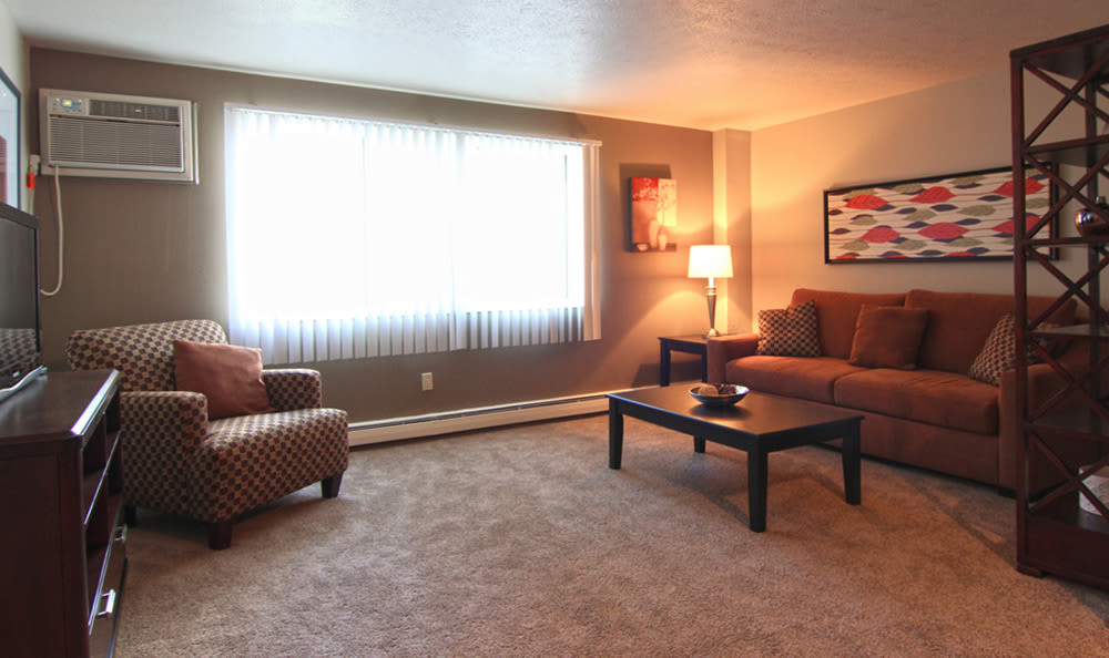 Plenty of room for your furniture in our spacious floor plan layouts at Columbus Park in Bedford Heights