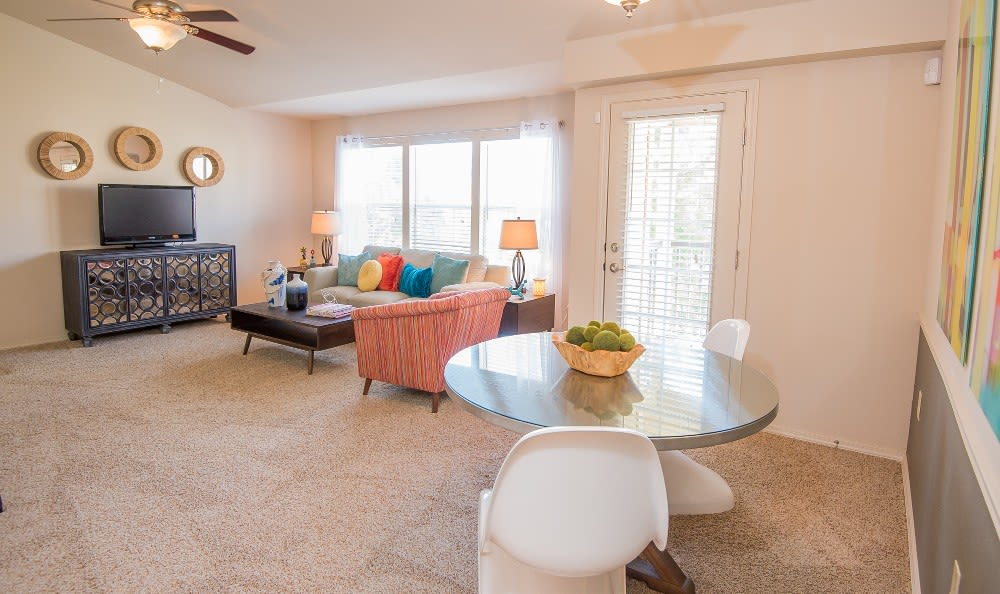 Bright living area in Broken Arrow