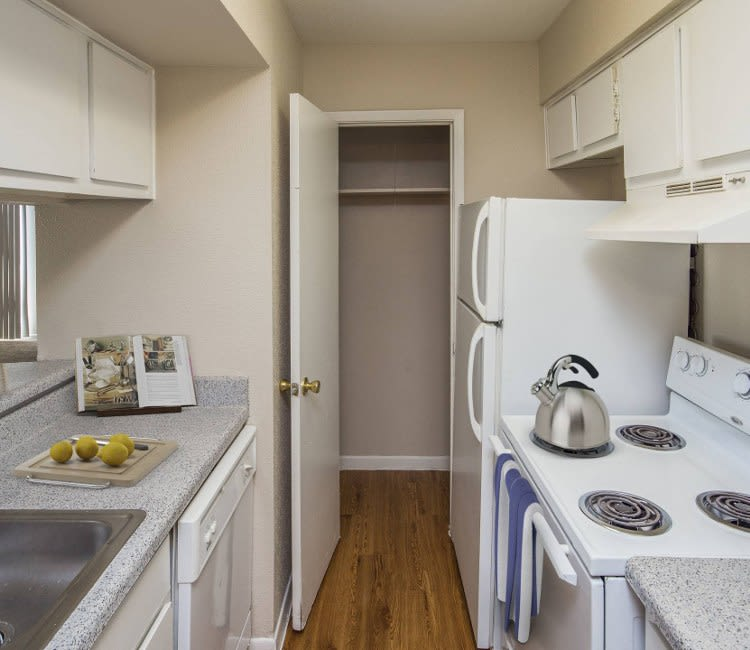 University Green offers a luxury kitchen in Houston, TX