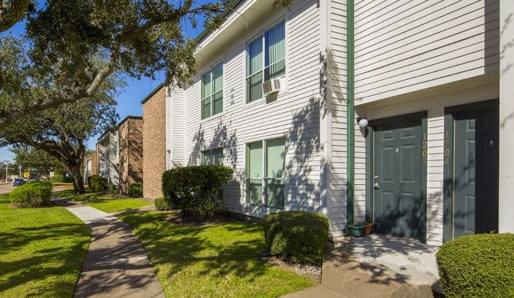 Beautiful apartments for rent at University Green in Houston, TX