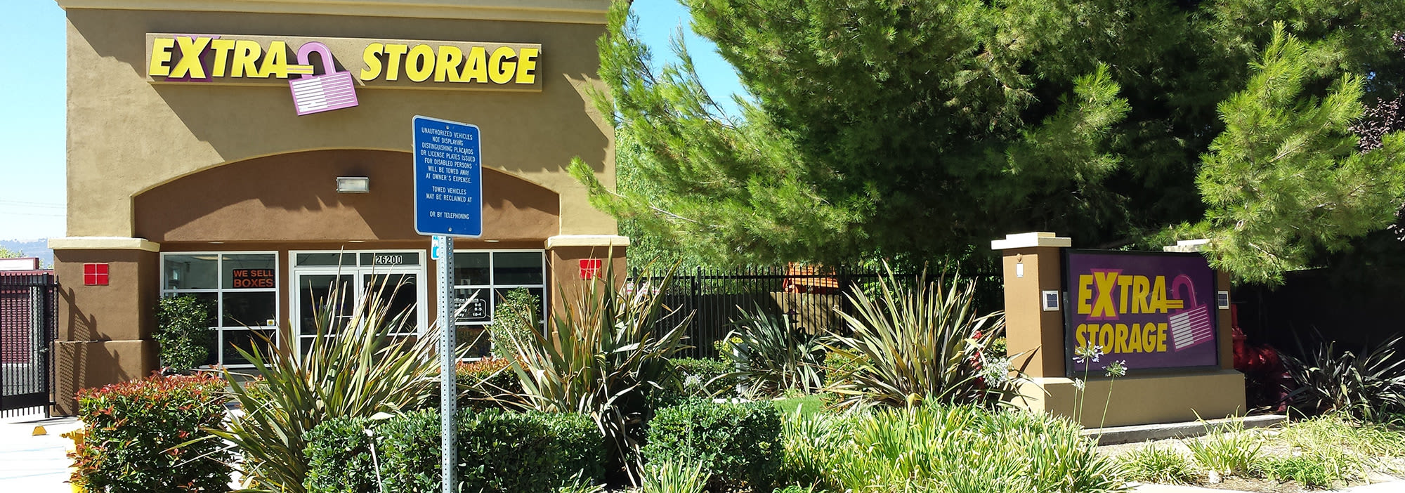 Self storage in Valencia CA