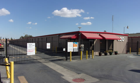 Self storage facilty in Los Banos