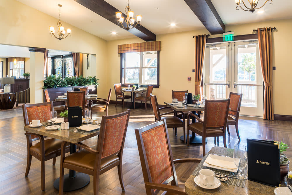 Dinning area at Mariposa at Ellwood Shores
