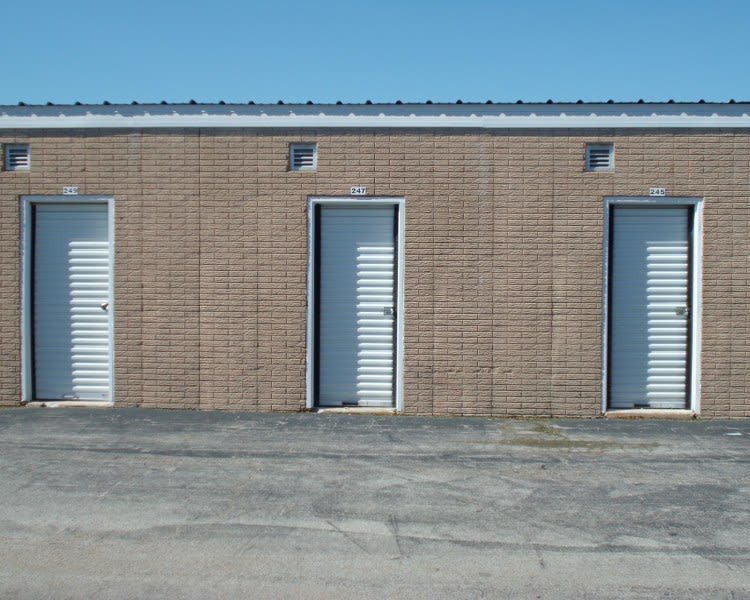 Units at A Storage Inn - St. Louis Lemay Ferry in Saint Louis