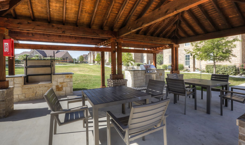 Covered grilling area at Villas at Spring Trails