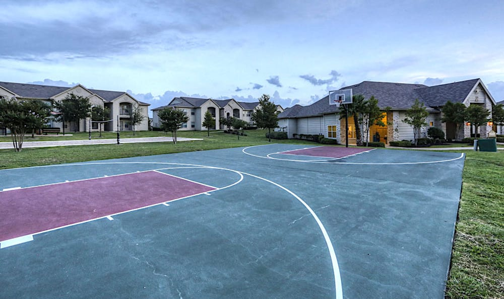 Basketball court at Stone Creek Apartments