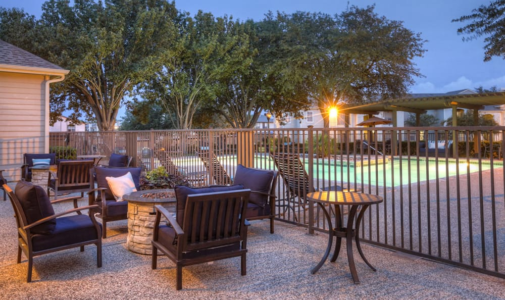 Fire pit Stone Creek Apartments