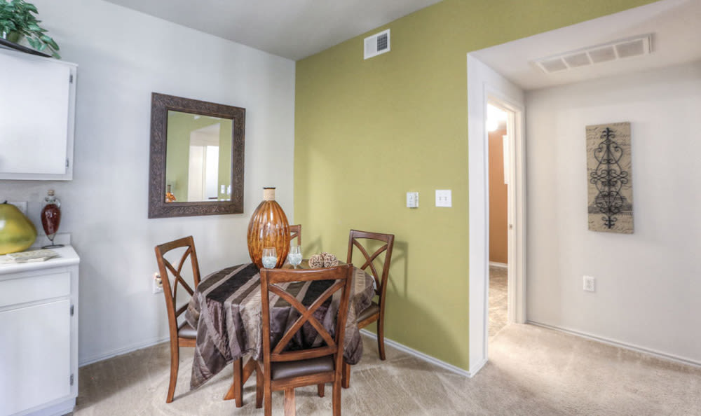 Dining room at Stone Creek Apartments