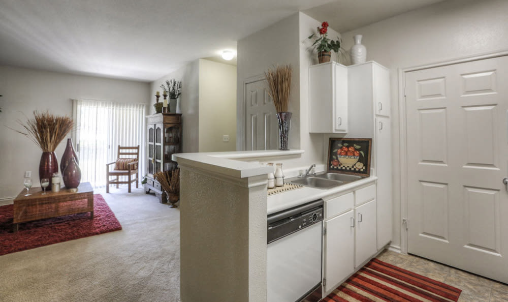 Kitchen dining bar at Stone Creek Apartments