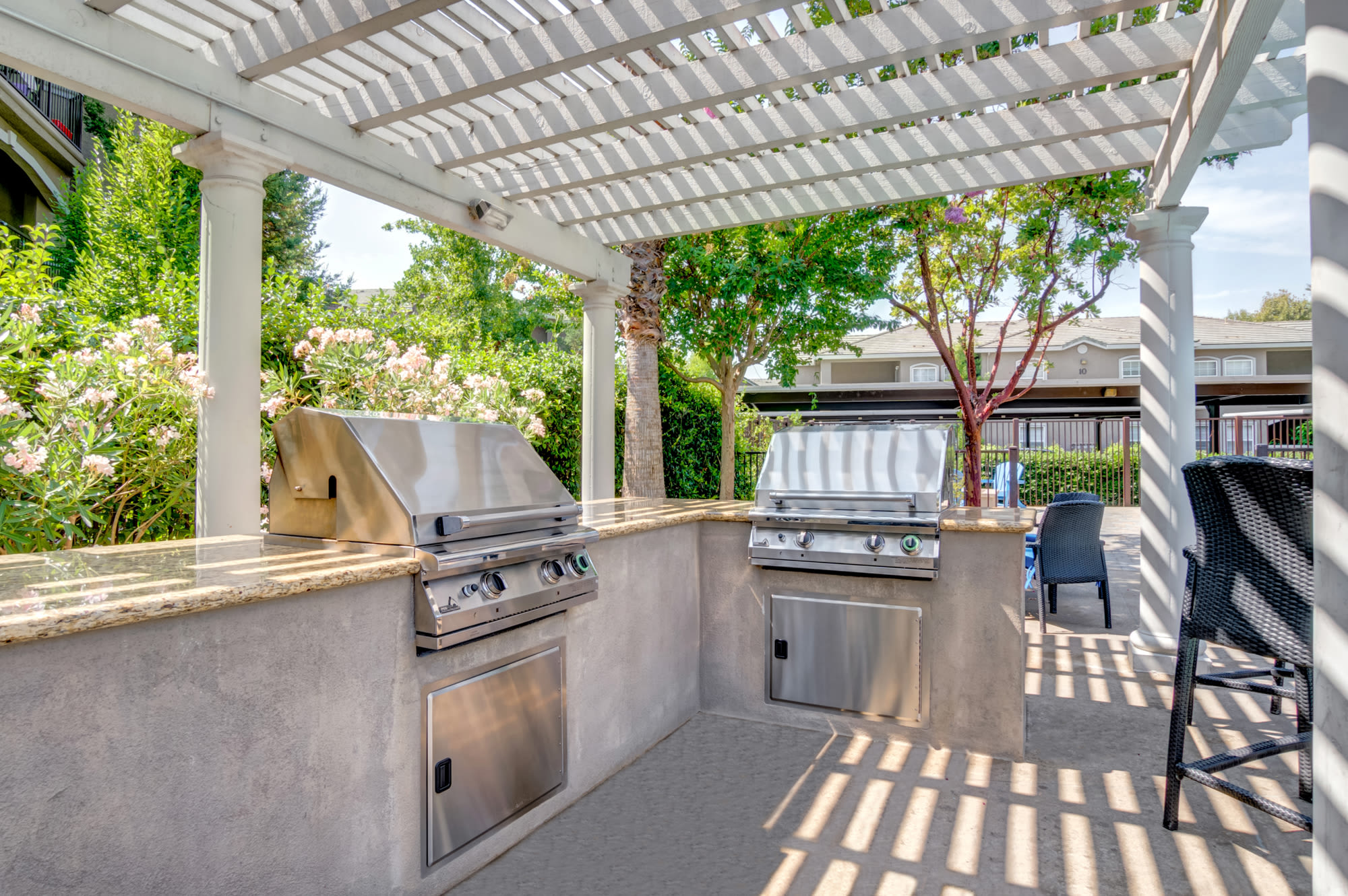 Poolside Gazebo at Hawthorn Village Apartments in Napa
