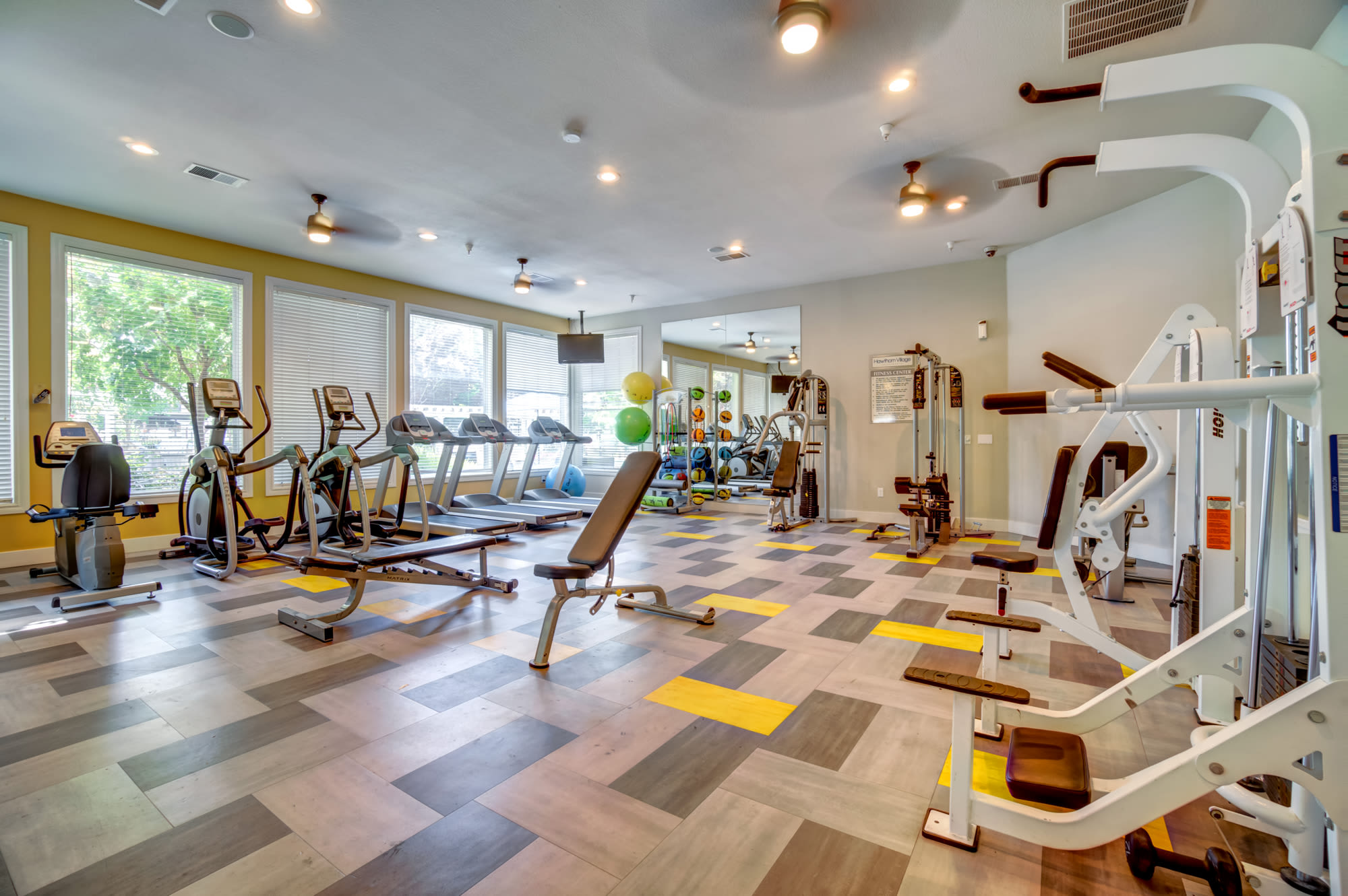 Large Fitness Center at Hawthorn Village Apartments