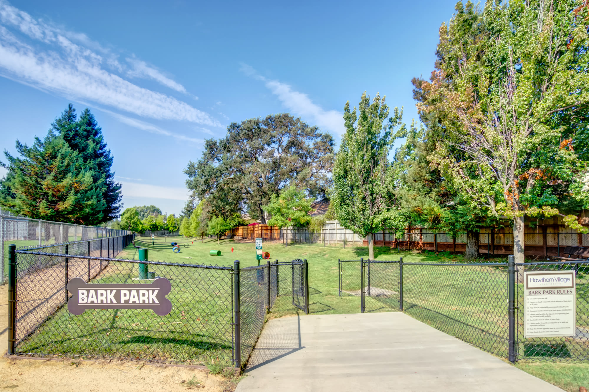 Hawthorn Village Apartments in Napa Features a Large Dog Park