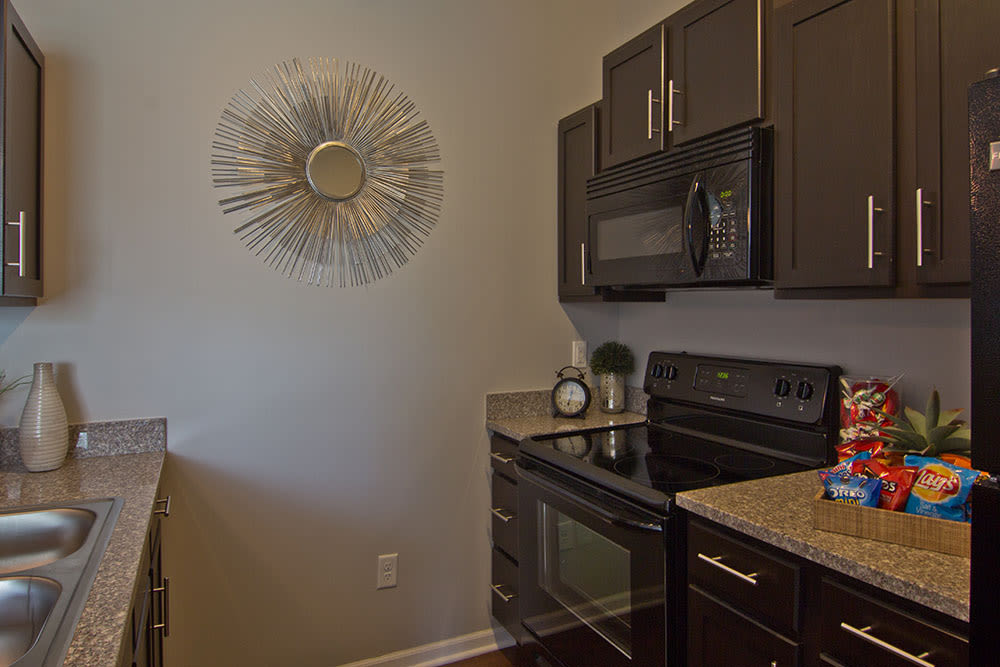 Another angle of our nice clean kitchen in our Elsmere, KY apartments