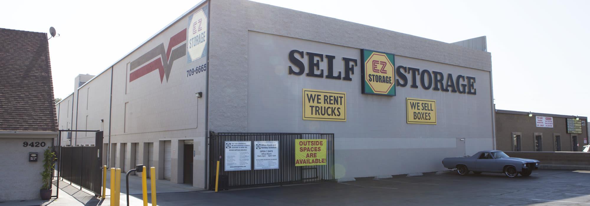 Self storage in Chatsworth CA