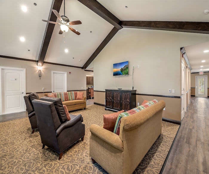 Living room at Pacifica Senior Living Lynnwood