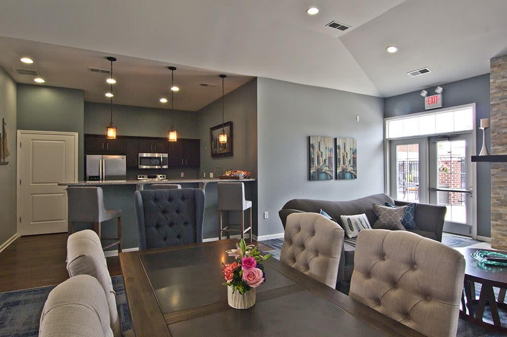 Elsmere apartments includes an entertainment space